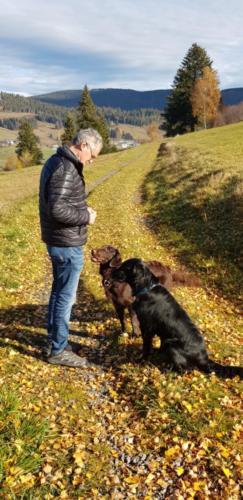 Riva und Julie im Schwarzwald (1)